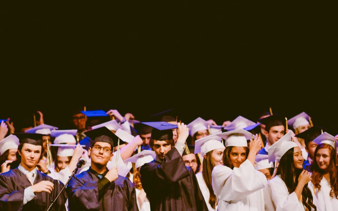 College Graduates Want a Job with  Good Pay and a Collaborative Environment